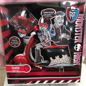Monster High Ghoulia Yelps Scooter Mattel 2011